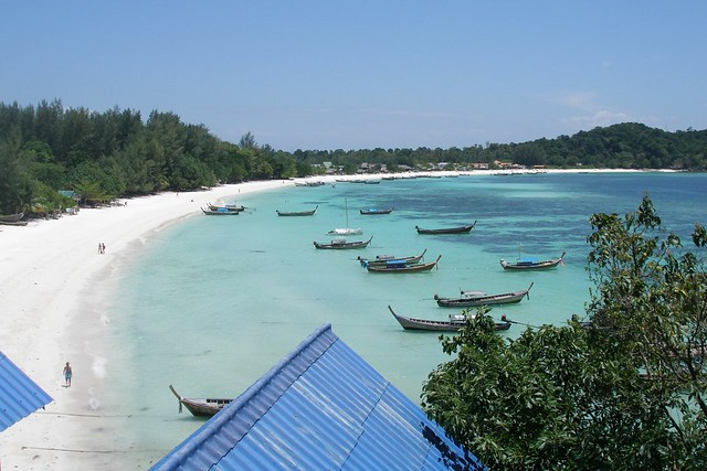 A view from my Koh Lipe balcony (2007-03-311)