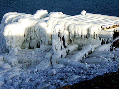 ocean winter lighthouse canada cold ice nature water beauty landscape scenery novascotia capebreton atlanticocean e550 capebretonisland winterscenery southbar cbrm