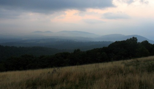 sun mist mountain sol sunrise dawn virginia cow haze hill blueridgeparkway blueridge rockyknob theparadigmshifter