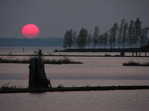 sunset sun lake water suomi finland landscape evening scenery view autumm ilta joensuu järvi auringonlasku pyhäselkä blueribbonwinner