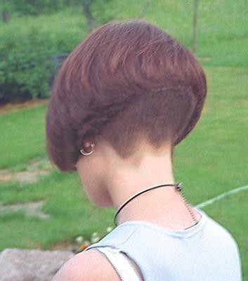 Women With Clippered Nape Haircuts http://edceleratoru.com/12/clippered-bob