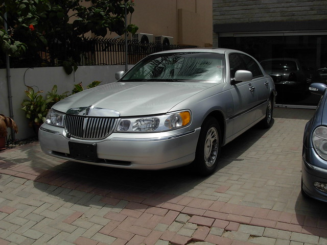 2000 lincoln town car cartier flickr photo sharing. Black Bedroom Furniture Sets. Home Design Ideas