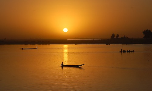 africa sunset sun fish water beauty silhouette yellow água river landscape gold evening boat amazing fishing eau wasser peace traffic desert african transport culture calm minimal westafrica stunning faves mali stillness minimalist waterway voda pirogue touareg nationalgeographic tuareg 水 afrique sahel coucherdusoleil baniriver exceptional pinasse вода 40faves νερό abigfave perfectsunsetssunrisesandskys rainforestink cloudsstormssunsetssunrises hardtoduplicate culturedusahara