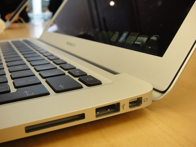 New Mac Book Air - soo thin