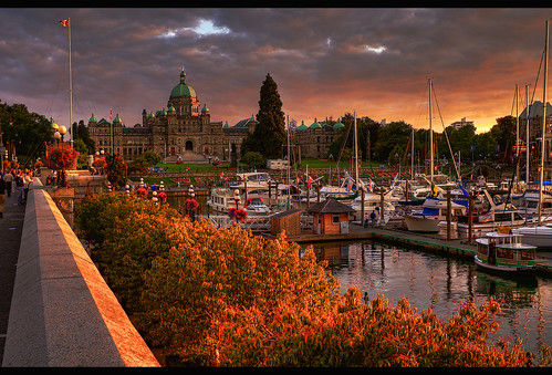 city trees sunset summer urban canada water clouds marina boats scenery colorful bc britishcolumbia sony details capital parliament scene victoria tourist vancouverisland dome pacificnorthwest colourful alpha dslr legislature 2009 hdr highdynamicrange jamesbay causeway innerharbour a300 domed photomatix tonemapped tonemapping