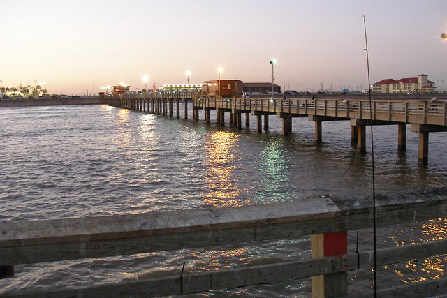 Images frompo for Galveston fishing pier cam
