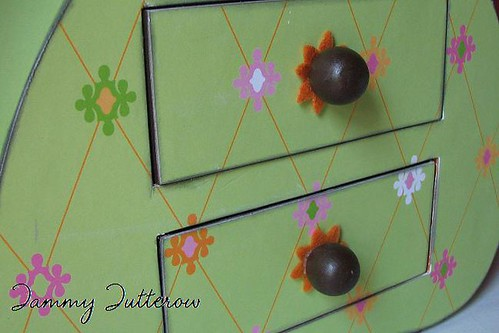 Glitz: wooden drawers