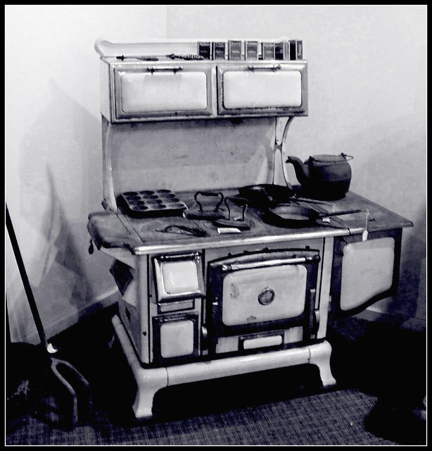 old wood cook stove | Flickr - Photo Sharing!