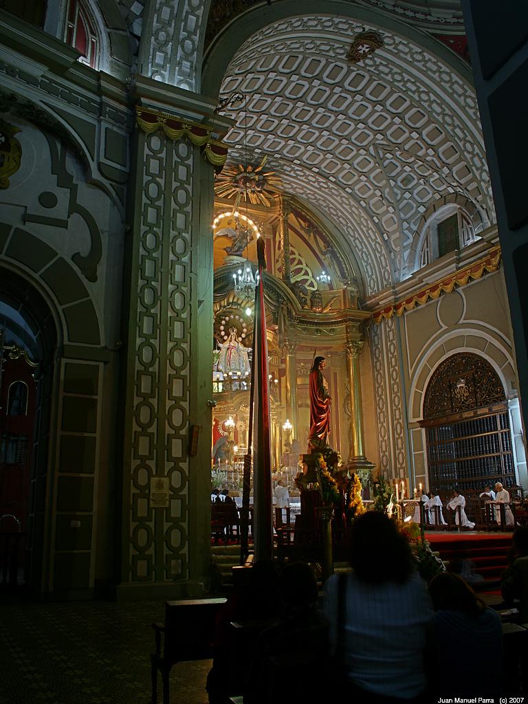 Fe orgullo y tradici n arquitectura sacra lime a for Arquitectura sacro