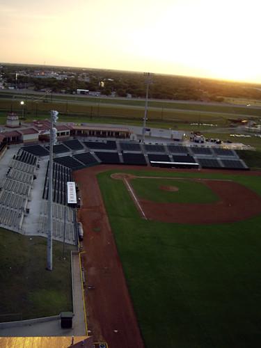 sunset kite field baseball kap kiteaerialphotography