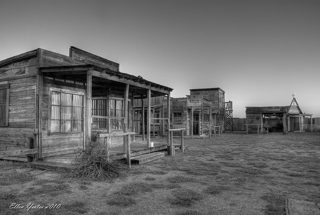 B & W Ghost Town (...