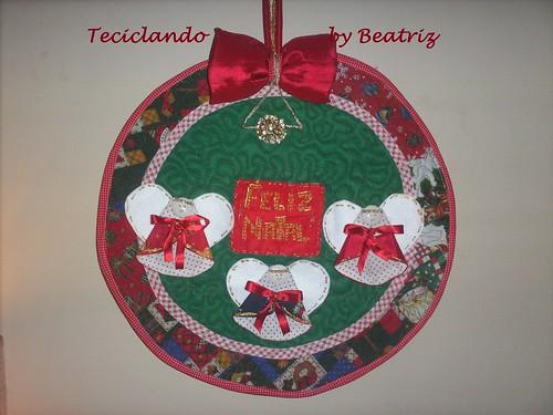 Enfeite de porta natalino 002 by Teciclando artes em tecidos