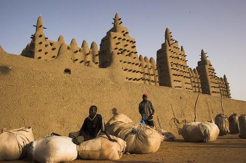 africa sunrise market mosque mercado mezquita mali coolest djenne aplusphoto travelerphotos alexhurtado