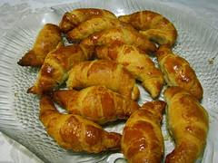 fried food(0.0), curry puff(0.0), dessert(0.0), kifli(1.0), baked goods(1.0), food(1.0), viennoiserie(1.0), dish(1.0), cuisine(1.0), danish pastry(1.0), croissant(1.0),