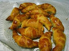 kifli, baked goods, food, viennoiserie, dish, cuisine, danish pastry, croissant,
