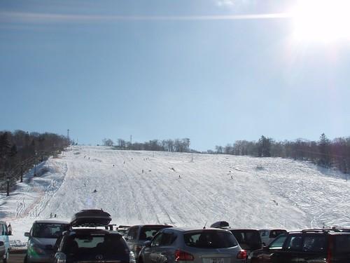 日本一早い天然雪の初滑り