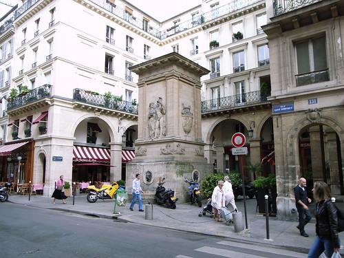 fontaine de mars restaurant in paris france travel guide tripwolf. Black Bedroom Furniture Sets. Home Design Ideas