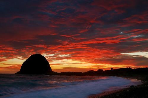 sunset sea sky beach clouds geotagged waves taiwan seashore 台東 taitung lanyu 蘭嶼 orchidisland expolre 沖洗 worldbest geo:tool=gmif superbmasterpiece ysplix 饅頭岩 geo:lat=22044214 geo:lon=121517074
