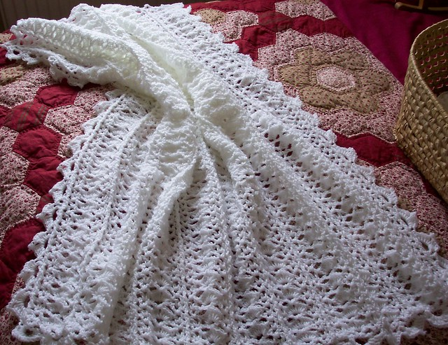 Crocheting A Baby Blanket For Beginners : WHITE CROCHET BLANKET Crochet For Beginners