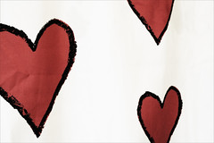 moustache(0.0), heart(0.0), lip(0.0), love(0.0), human body(0.0), pink(0.0), petal(0.0), organ(0.0), heart(1.0), red(1.0), illustration(1.0), valentine's day(1.0),