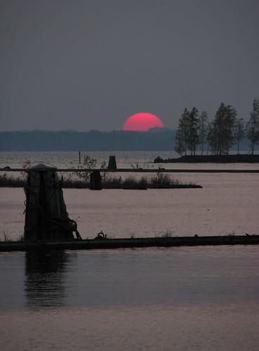 sunset sun lake water suomi finland landscape evening scenery view autumm ilta joensuu järvi auringonlasku pyhäselkä