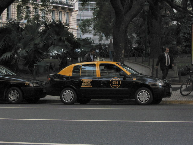 Clio taxi à Buenos Aires
