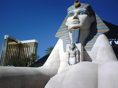 Luxor-Front