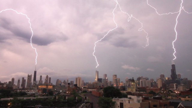 Lightning strikes three of the tallest buildings in Chicago at the same time! on Vimeo by Craig Shimala