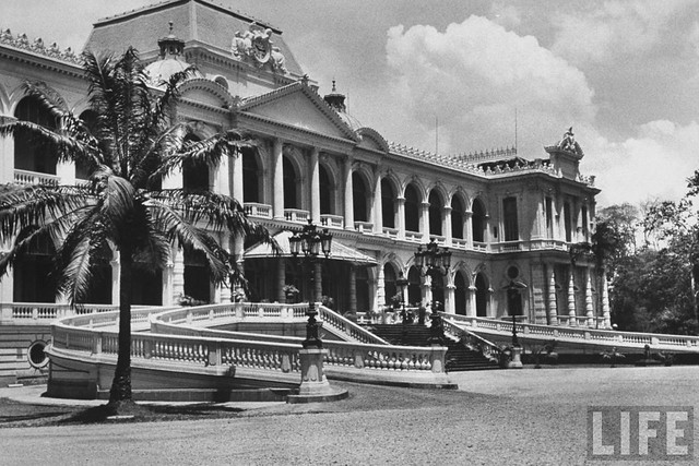 Saigon 1955 (1) A View of the Presidential Palace.