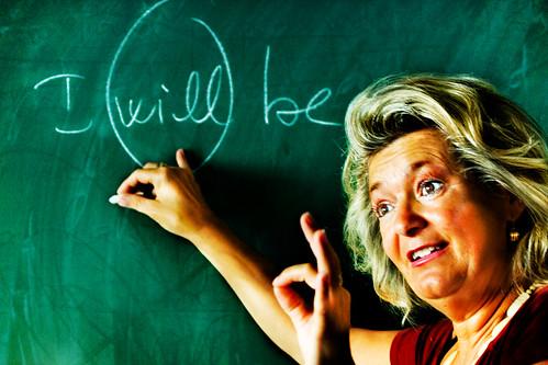 """Se a scuola, tra i verbi, ci hanno insegnato prima """"l'essere"""" e poi """"l'avere"""" un motivo ci sarà."""