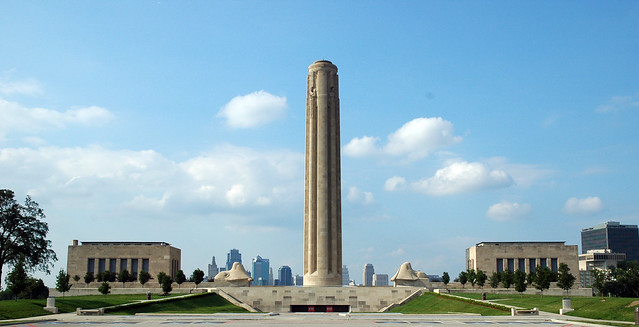Liberty Memorial by CC user lifeontheedge on Flickr