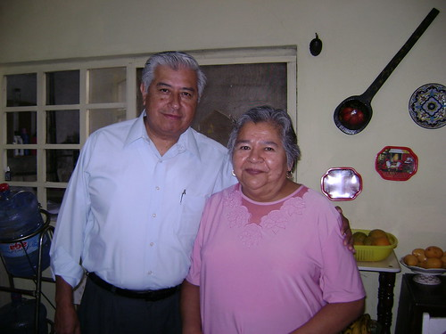 Dad and tía Ofelia