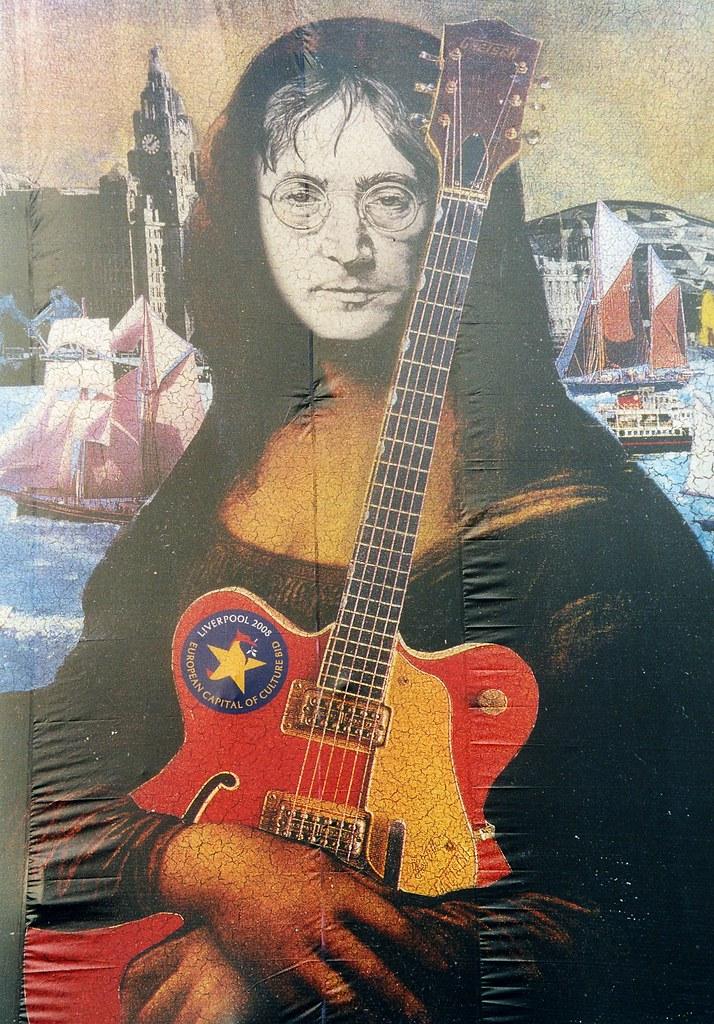 The Beatles Polska: Wandale wycięli oko Lennonowi.