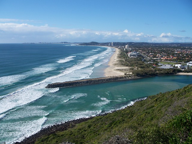 TOP 4 Gold Coast Beaches For A Hot Australian Vacation!