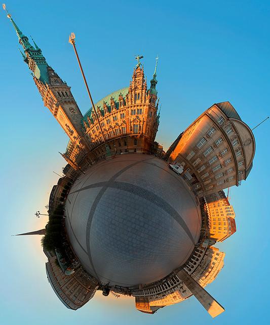 Hamburg Rathausplatz Planet 2
