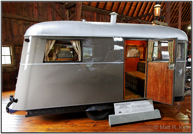 "1937 Covered Wagon ""Conestoga"" Camping Trailer  (1)"