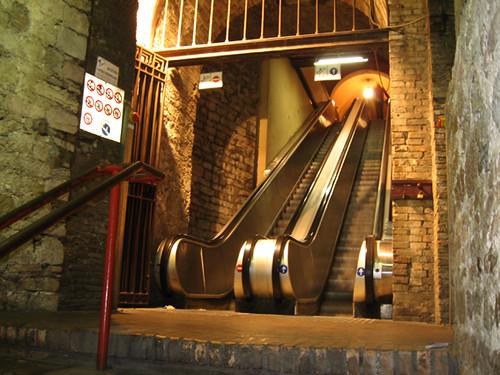 Perugia scale mobili nella rocca paolina again flickr - Sognare scale mobili ...