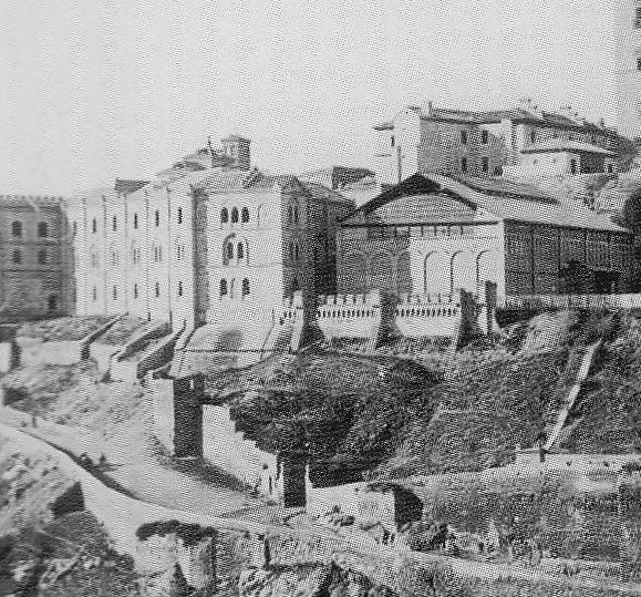 Picadero militar sobre la Puerta de Doce Cantos hacia 1895