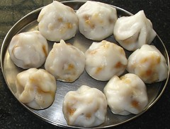 dim sum food, nikuman, mongolian food, siopao, cha siu bao, xiaolongbao, mandu, baozi, momo, wonton, food, dish, varenyky, dumpling, jiaozi, buuz, khinkali, cuisine,