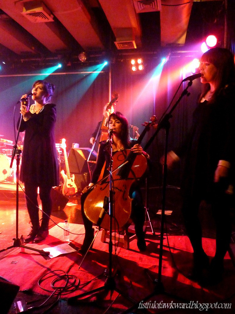 The Langley Sisters onstage w/ Carl Barat @ Scala - Oct 27