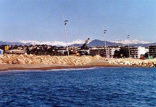 Image of Promenade de la Mer Beach with a length of 1284 meters near Cagnes-sur-Mer.