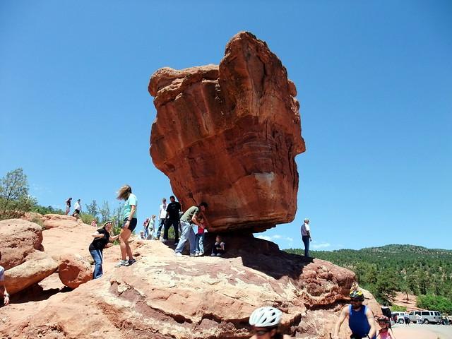 Balanced Rock At Garden Of The Gods Park In Colorado Flickr Photo Sharing