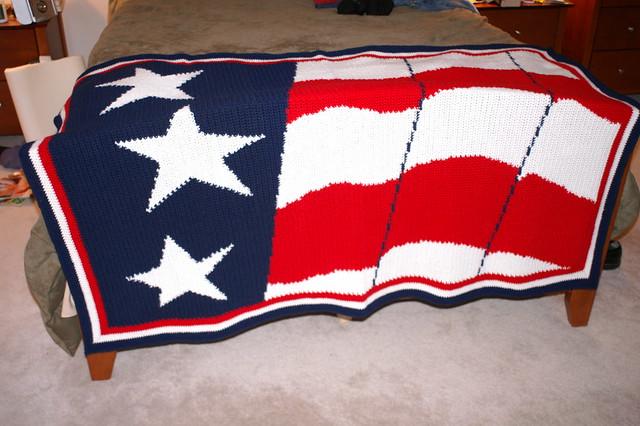 COZYCONCEPTS AMERICAN U. S. FLAG STARS & STRIPES OLD GLORY CROCHET