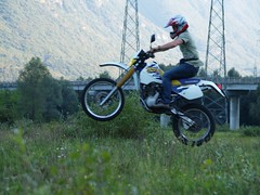 racing, freestyle motocross, enduro, vehicle, sports, freeride, motorcycle, motorsport, motorcycle racing, extreme sport, motorcycling, supermoto, stunt performer, stunt,