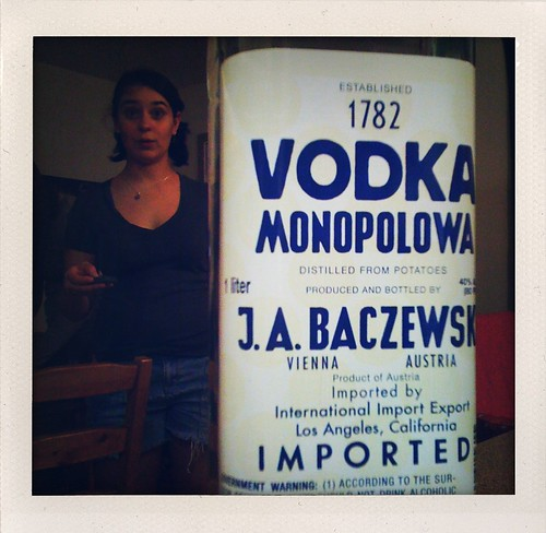 Vodka monopolowa time, Tigo.