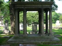 arch(0.0), temple(0.0), shinto shrine(0.0), estate(0.0), shrine(0.0), torii(0.0), cemetery(1.0), ancient history(1.0), garden(1.0), memorial(1.0), grave(1.0), mausoleum(1.0),