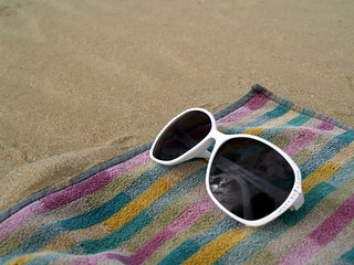 Bild von Stabilimento balneare Dario. summer glass sand estate rimini sunglass spiaggia a unmartedìalmare chebellostaresultelodamare perchèperlasecondavoltain32annihomessoipiedinellasabbiadirimini atuesdayonthebeach