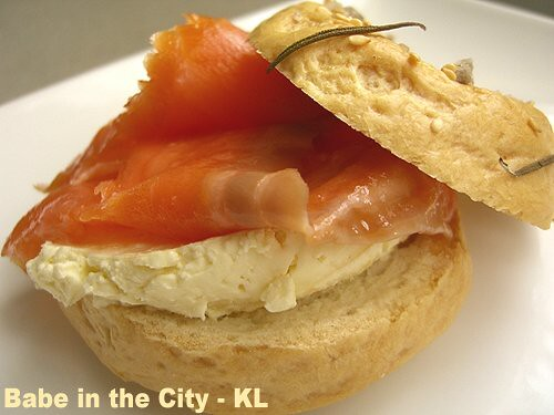 Bagel - smoked salmon & cream cheese | Flickr - Photo Sharing!
