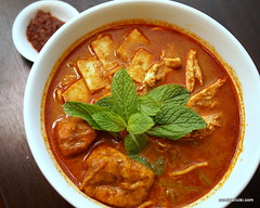 noodle soup(0.0), produce(0.0), laksa(0.0), stew(1.0), curry(1.0), asam pedas(1.0), red curry(1.0), food(1.0), korma(1.0), dish(1.0), soup(1.0), cuisine(1.0), gulai(1.0), gumbo(1.0), goulash(1.0),