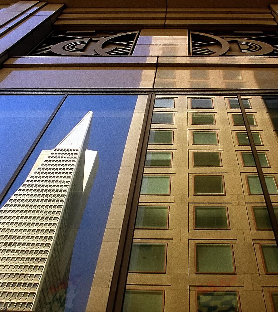 San Francisco - Transamerica Building Reflected
